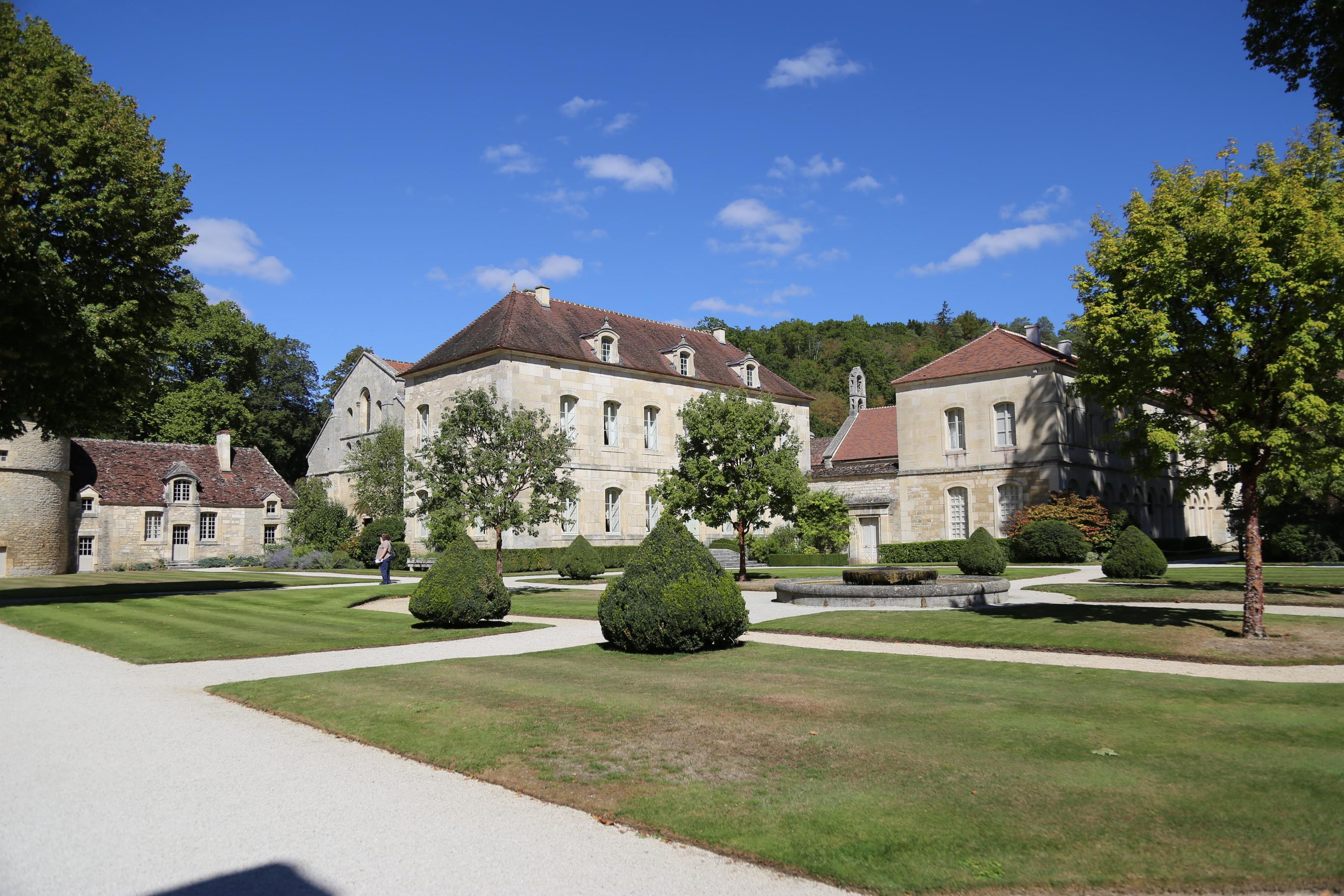퐁트네 수도원 (Abbaye de Fontenay)
